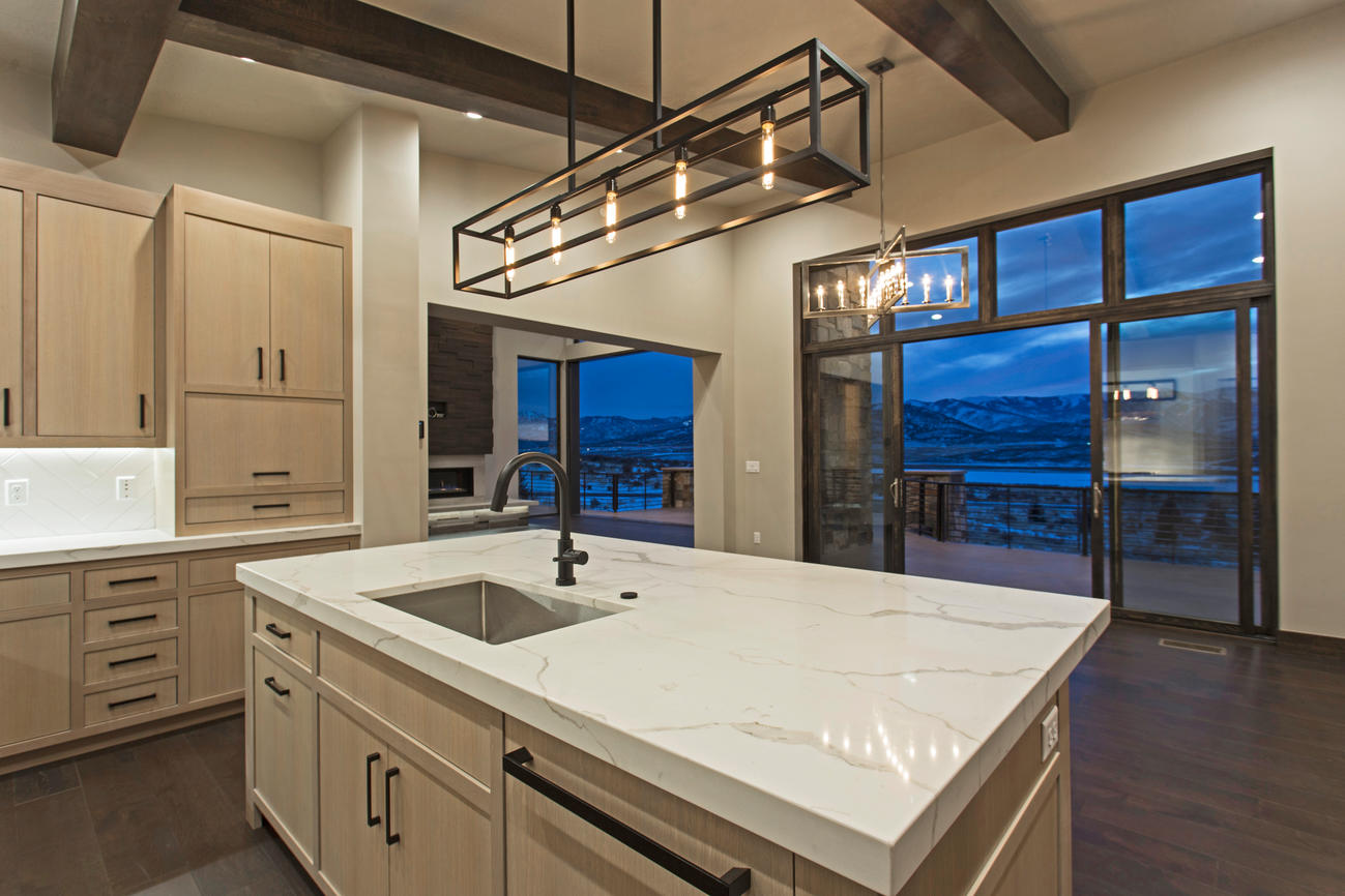 A spacious kitchen for entertaining large parties or intimate groups
