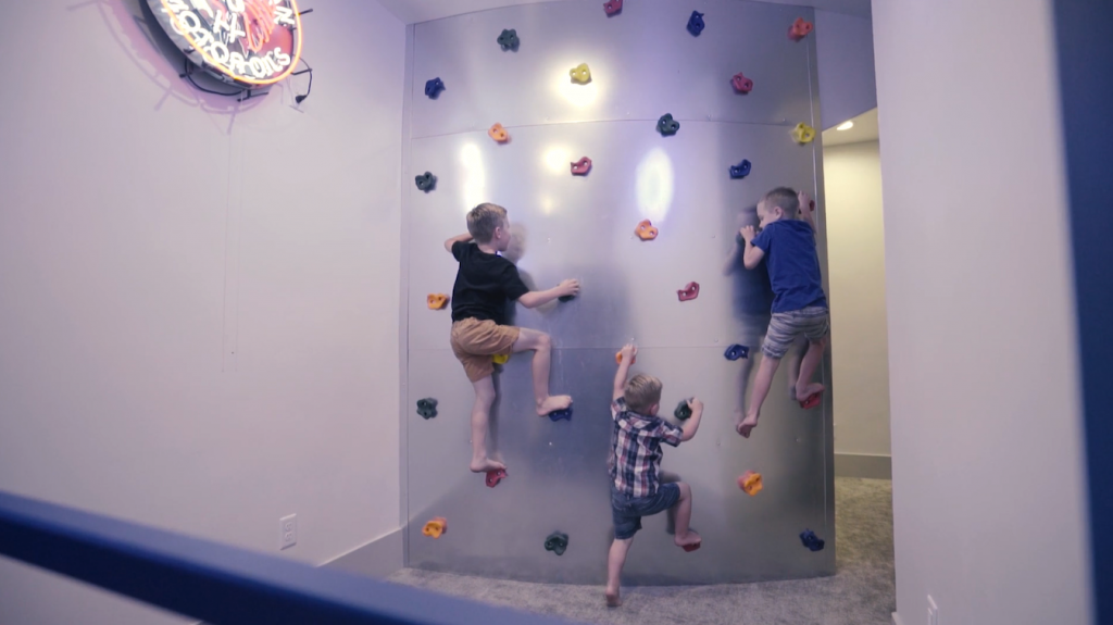 Deaton Family | Rock Wall